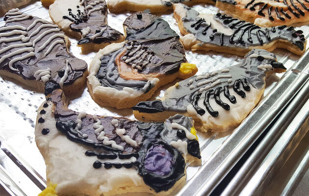 Step Up Your Holiday Baking Game With These Realistic Bird Cookies
